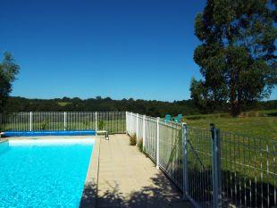 Heerlijk zwembad. <br>Lekker afkoelen met een prachtig uitzicht!
