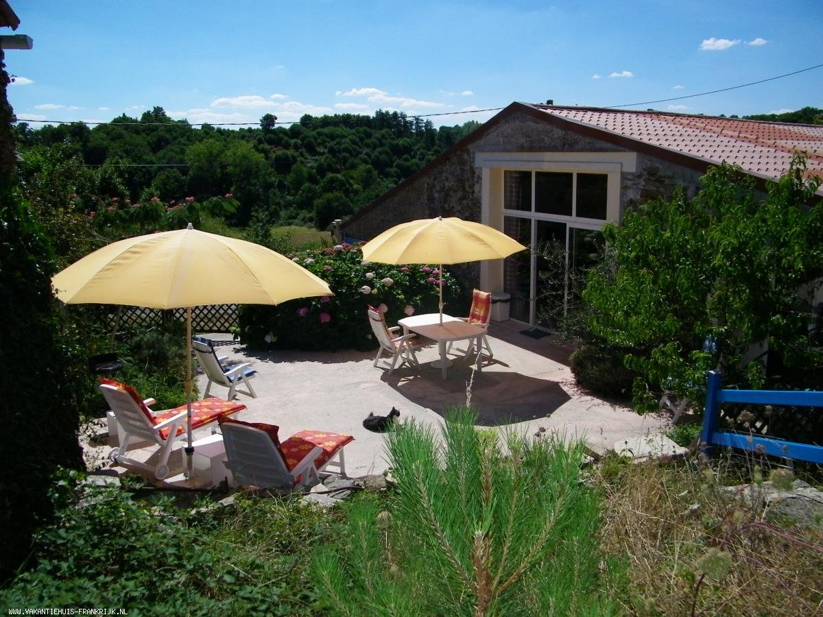 Vakantiehuis: Mooie vakantiewoning met gebruik van zwembad in een rustige omgeving, niet ver van zee. te huur voor uw vakantie in Vendee (Frankrijk)