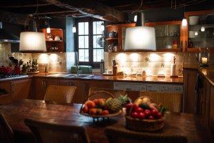 De zeer goed uitgeruste keuken voor de beste Top chefs