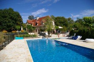 Vakantiehuis: Bijzonder mooie gerestaureerde Mas met prachtig verwarmd en omheind zwembad te huur in Dordogne (Frankrijk)