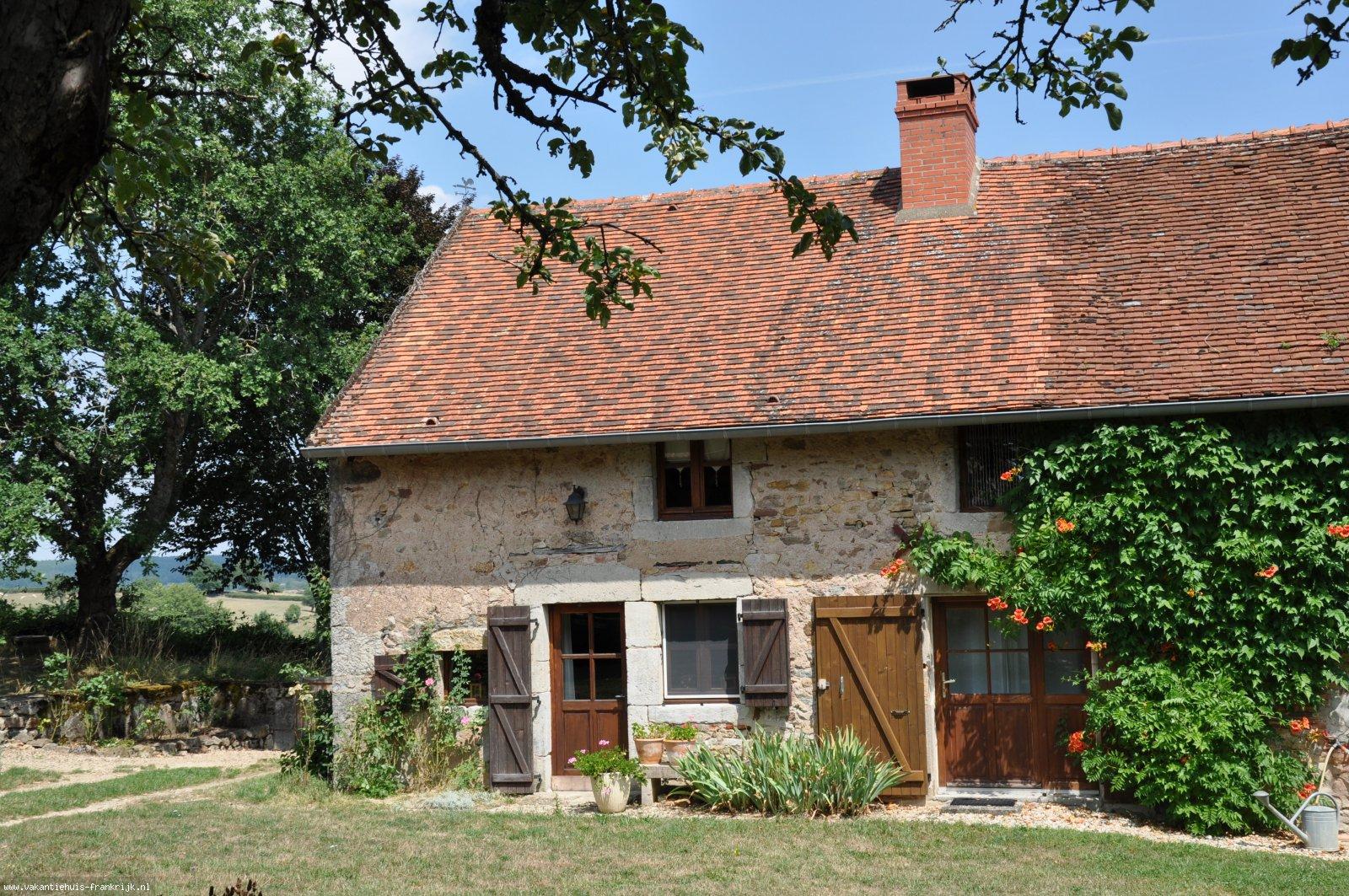 Vakantiehuis: Bourgogne: romantisch en comfortabel vakantiehuisje 'en campagne' te huur voor uw vakantie in Saone et Loire (Frankrijk)
