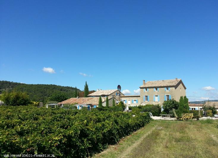 Vakantiehuis: Prachtig Maison de Maître op voormalig wijndomein met tuin, zwembad en tennis aan de Mont Ventoux te huur voor uw vakantie in Vaucluse (Frankrijk)