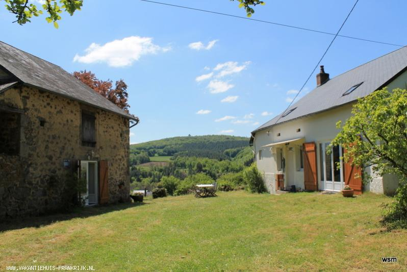 Vakantiehuis: L'Harmonie aux Gorys ...............een geweldig uitzicht!Unieke combinatie van een huis op het platteland en een stadje binnenhandbereik. te huur voor uw vakantie in Nievre (Frankrijk)