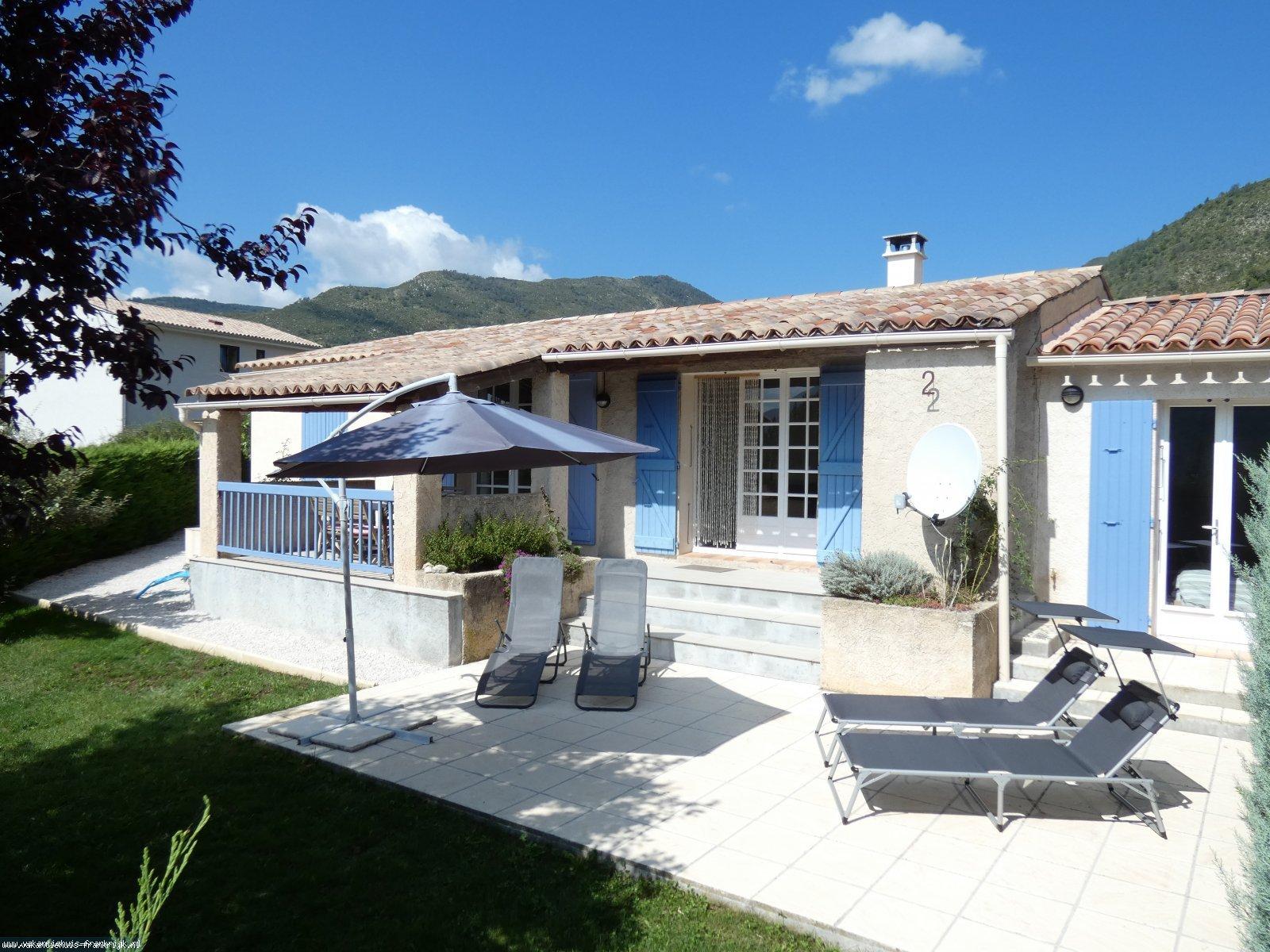 Vakantiehuis: Vakantiewoning met privé tuin en schitterend uitzicht te huur voor uw vakantie in Alpen de Haute Provence (Frankrijk)