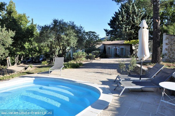 Vakantiehuis: Heerlijk vakantiehuis op prachtige plek in Provence met zwembad! te huur voor uw vakantie in Var (Frankrijk)