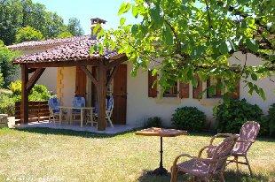 Vakantiehuis: Luxe authentiek vakantie 3* in de Dordogne. Rust, Ruimte en Natuur. WIFI, Nld TV en luxe boxsprings (210cm) te huur in Dordogne (Frankrijk)