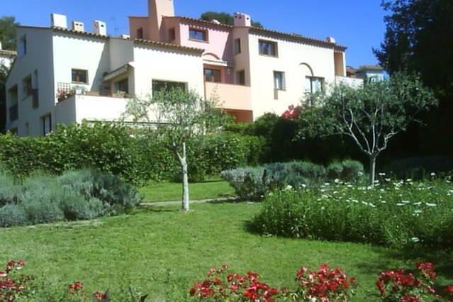 Vakantiehuis: Comfortabel 3/4 kamer appartement met zwembad in Cagnes sur Mer (Tussen Nice en Antibes) te huur voor uw vakantie in Alpen Maritimes (Frankrijk)