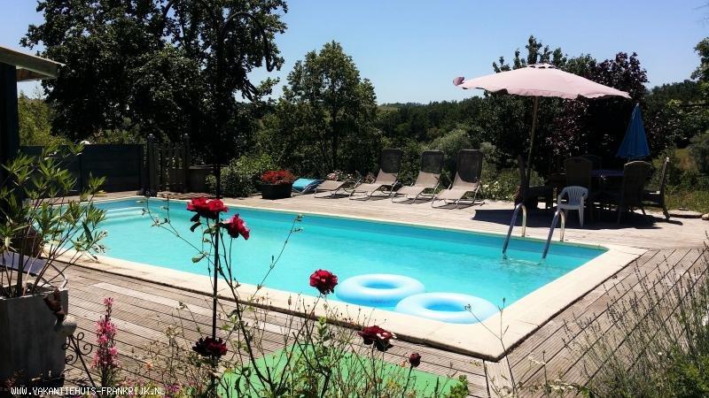 Vakantiehuis: Rust en ruimte: Ons vakantiehuis bevindt zich op een unieke plek in Zuid-Frankrijk, middenin een prachtig natuurgebied te huur voor uw vakantie in Lot (Frankrijk)