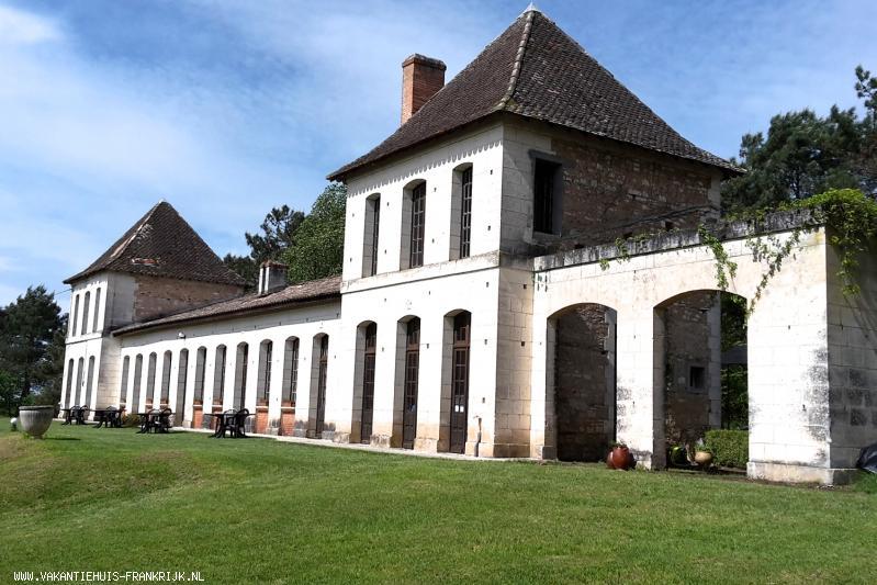 Vakantiehuis: Gites (2-6 pers) in een ruime, kindvriendelijke en rustige omgeving met mooie sterrenhemels in de Dordogne. te huur voor uw vakantie in Dordogne (Frankrijk)