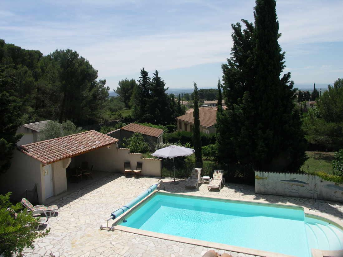 Vakantiehuis: 8 persoons villa, groot verwarmd zwembad, zomerkeuken, 2 badkamers, heerlijk ruim en privacy te huur voor uw vakantie in Herault (Frankrijk)