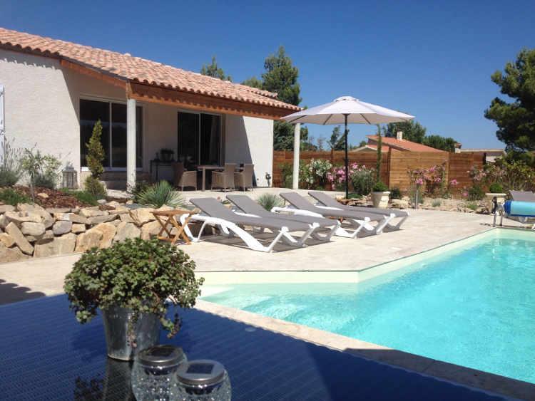 Vakantiehuis: Nieuwe moderne villa met verwarmd privé zwembad, uitzicht, 6 personen, 2 badkamers te huur voor uw vakantie in Aude (Frankrijk)