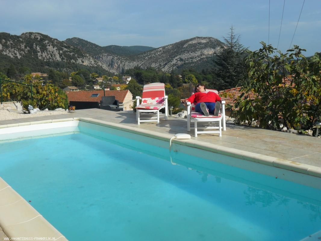 Vakantiehuis: Charmante vakantiewoning met zwembad en zicht op Anduze. Goede uitvalsbasis om te wandelen, fietsen maar vooral; relaxen! Voor levensgenieters te huur voor uw vakantie in Gard (Frankrijk)