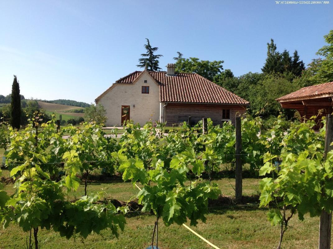 Vakantiehuis: Prachtig huis, geen zwembad, wel een eigen meertje met schoon water. te huur voor uw vakantie in Tarn et Garonne (Frankrijk)