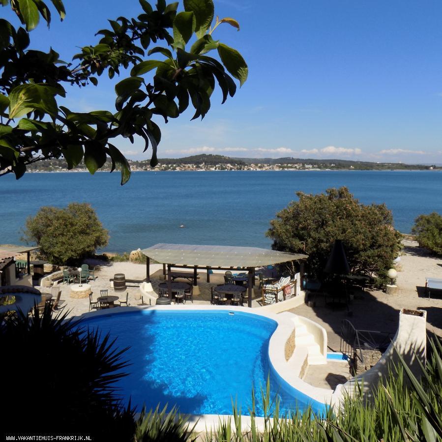 Vakantiehuis: ZUID-FRANKRIJK - ISTRES, hart van de PROVENCE. Uniek gelegen domein met 5 gites, direct aan het water !  ZON, PROVENCE, WATER EN ROSE... te huur voor uw vakantie in Bouches du Rhone (Frankrijk)