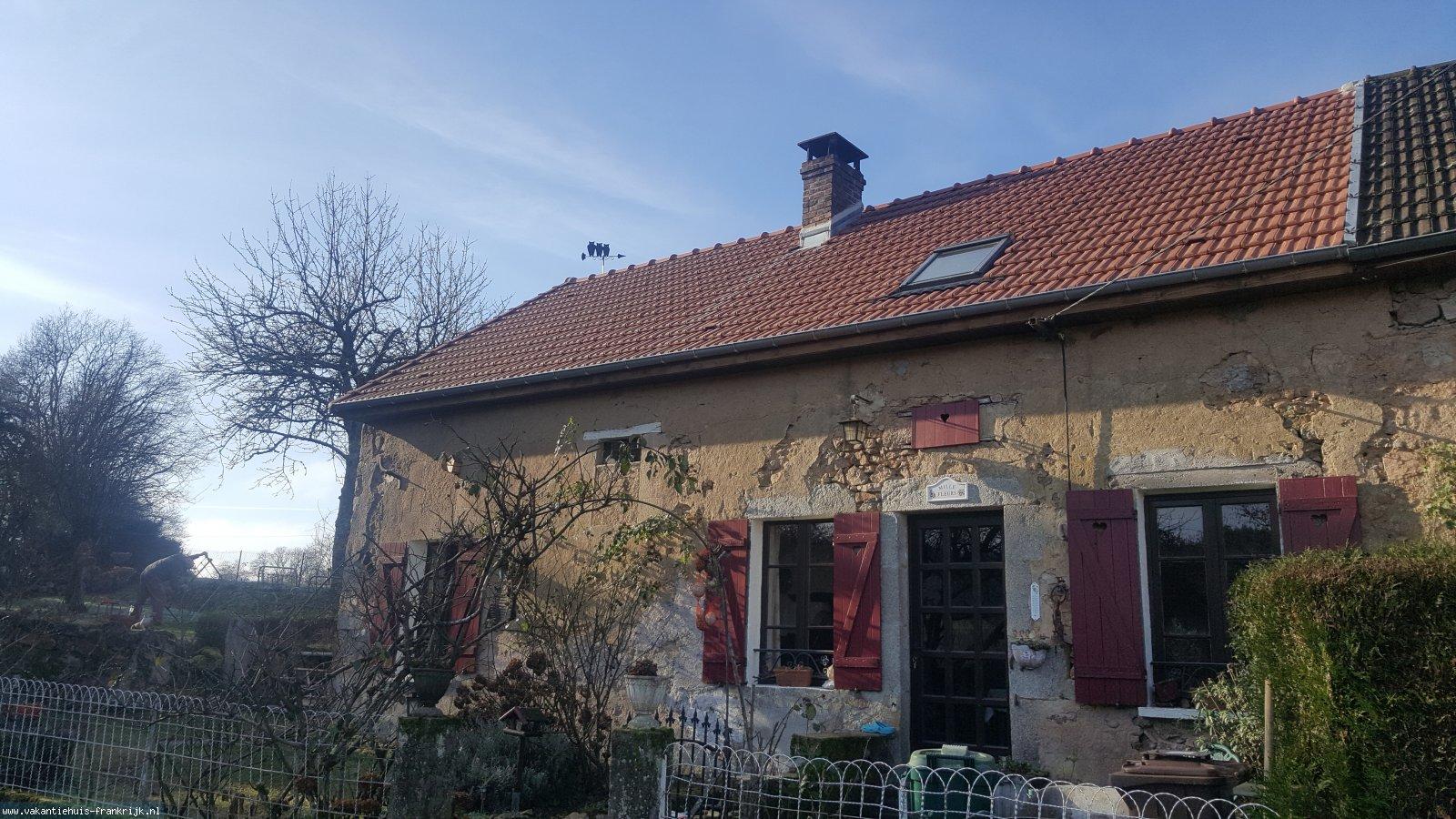 Vakantiehuis: Sfeervol vakantiehuis met prachtig uitzicht,vakantiehuizen in de Morvan (Bourgogne) te huur. te huur voor uw vakantie in Nievre (Frankrijk)