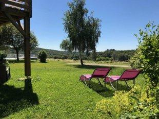 De tuin voor de gasten in le Seringa