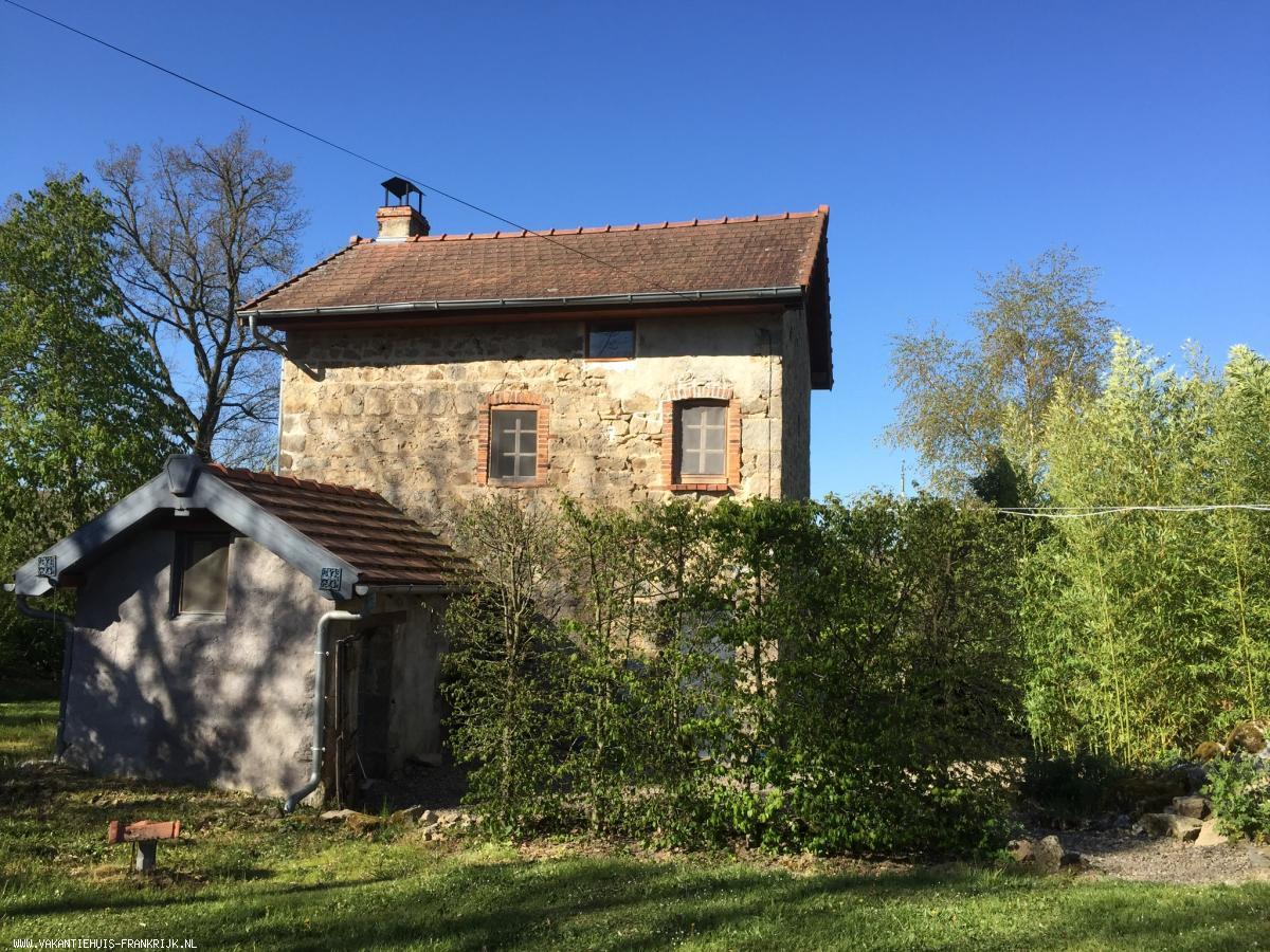 Vakantiehuis: Vrijstaande gîte in midden Frankrijk in prachtige natuur. Prima plek voor rustzoekers en natuurgenieters. te huur voor uw vakantie in Creuse (Frankrijk)