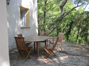 Vakantiehuis: In een mooie en rustige omgeving in de Provence gelegen gîte met gemeenschappelijk zwembad.