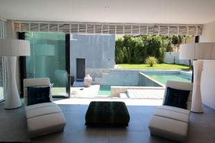 Huis in Frankrijk te koop: Contemporary villa 350 m2 Beautiful vieuw <br />Close to Avignon (84) South of France