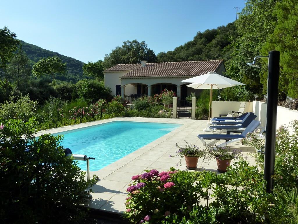 Vakantiehuis: Vakantievilla met zwembad op groot eigen terrein met veel privacy, gelegen in nationaal park te huur voor uw vakantie in Herault (Frankrijk)