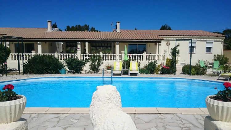 Vakantiehuis: Mooie, ruime, 6 persoons vakantiewoning met grote tuin, privé zwembad, sauna en uitzicht. te huur voor uw vakantie in Herault (Frankrijk)