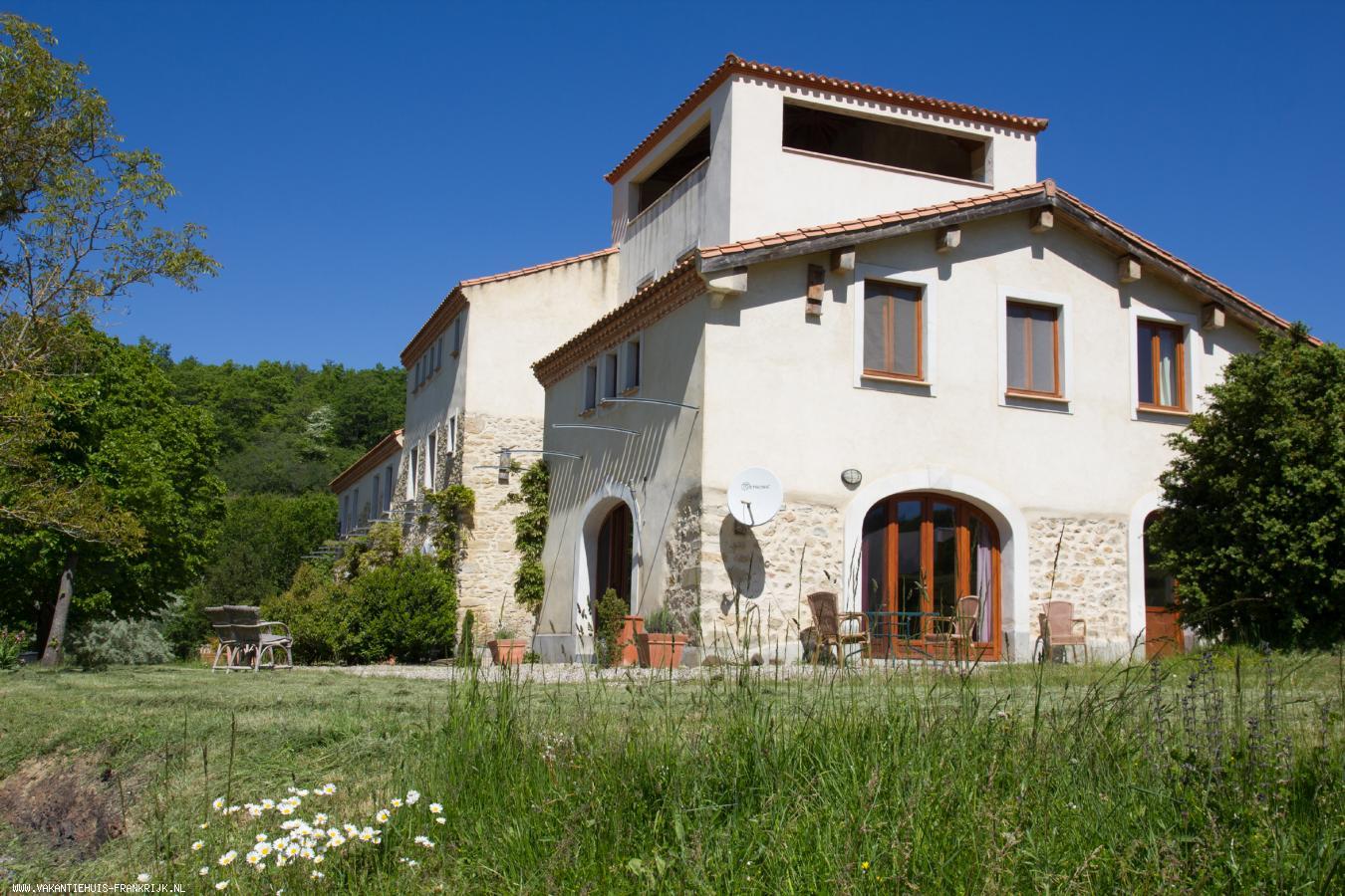 Vakantiehuis: Grenache, een heerlijk vakantiehuis op groot landgoed met schitterend uitzicht op de Pyreneeën. te huur voor uw vakantie in Aude (Frankrijk)