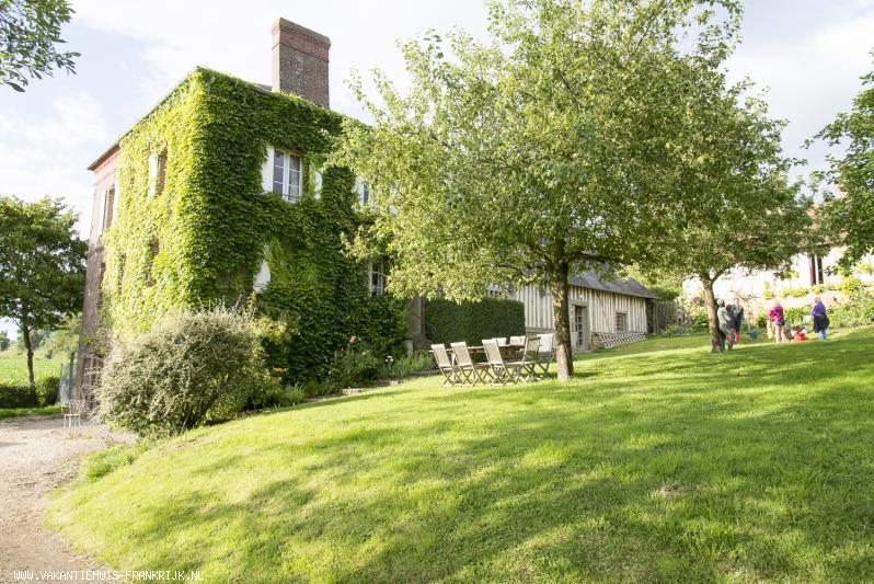 Vakantiehuis: Charmante boerderij gelegen in de heuvels van het mysterieuze Normandische binnenland, ideaal voor vakantie met vrienden of voor een familiereunie ! te huur voor uw vakantie in Calvados (Frankrijk)