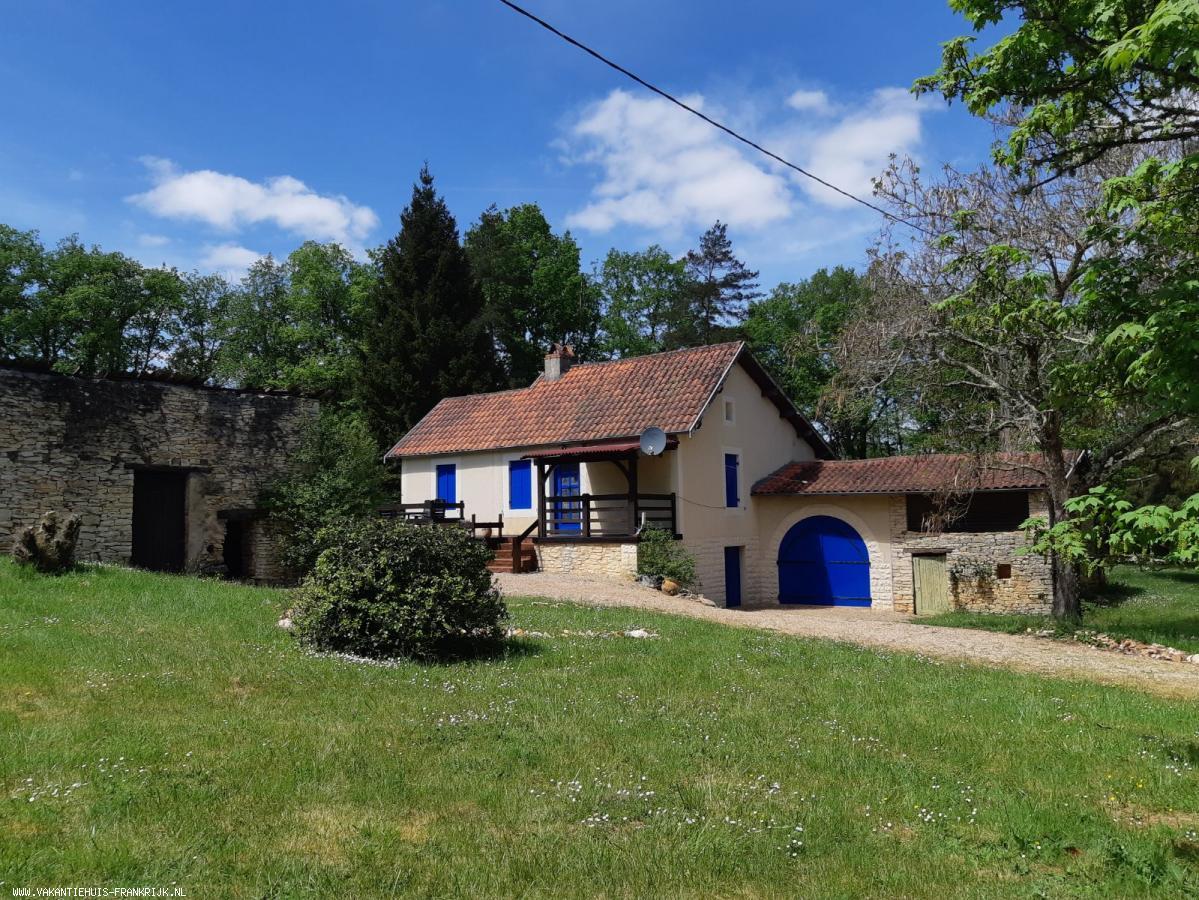 Vakantiehuis: Las Biardonas, een rustig, vrijstaand huis met zwembad. te huur voor uw vakantie in Dordogne (Frankrijk)