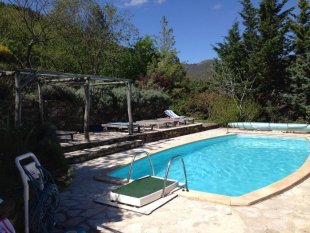 Zwembad en ligbedden Zwembad en ligbedden