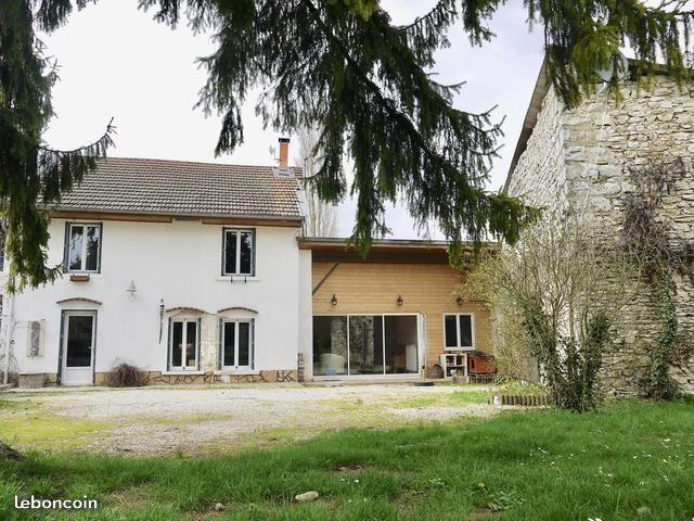 Frankrijk te koop: Charmant huis met 4 slaapkamers, grote tuin in de ...