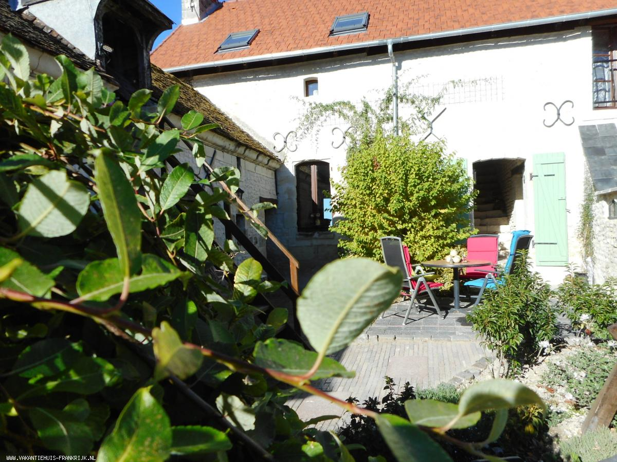 Vakantiehuis: Charmante boeren woning uit 1600 liefdevol gerestaureerd met landelijk uitzicht te huur voor uw vakantie in Indre et Loire (Frankrijk)