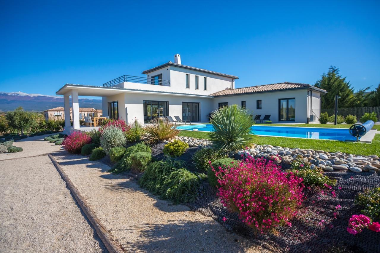 Vakantiehuis: Schitterende, eigentijdse VILLA in de PROVENCE, vlakbij de MONT VENTOUX en de LUBERON te huur voor uw vakantie in Vaucluse (Frankrijk)