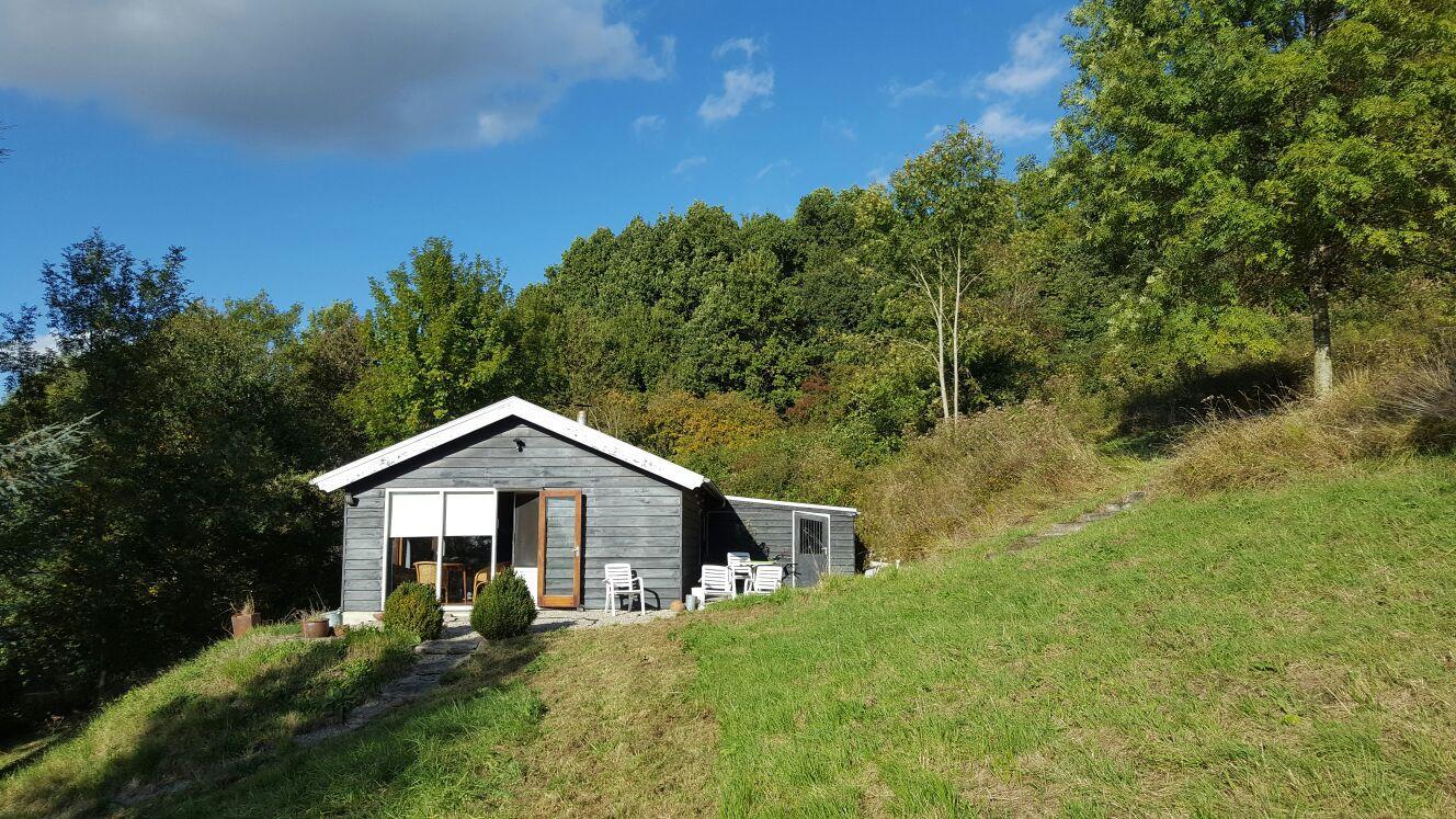 Vakantiehuis: Eenvoudig maar comfortabel chalet in de heuvels van Basse-Normandie te huur voor uw vakantie in Orne (Frankrijk)