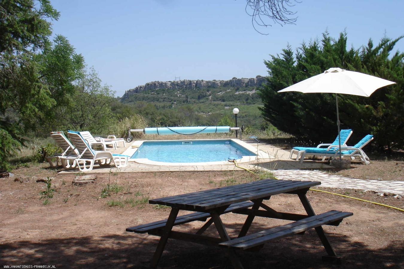 Vakantiehuis: Geweldig uitzicht, prive zwembad, fantastische liggen en compleet ingerichte villa voor 8 personen te huur voor uw vakantie in Herault (Frankrijk)