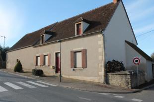 Vakantiehuis: Orval. Een oude boerderij met tweede huisje en verscheidene schuren in het dorp. te huur in Cher (Frankrijk)