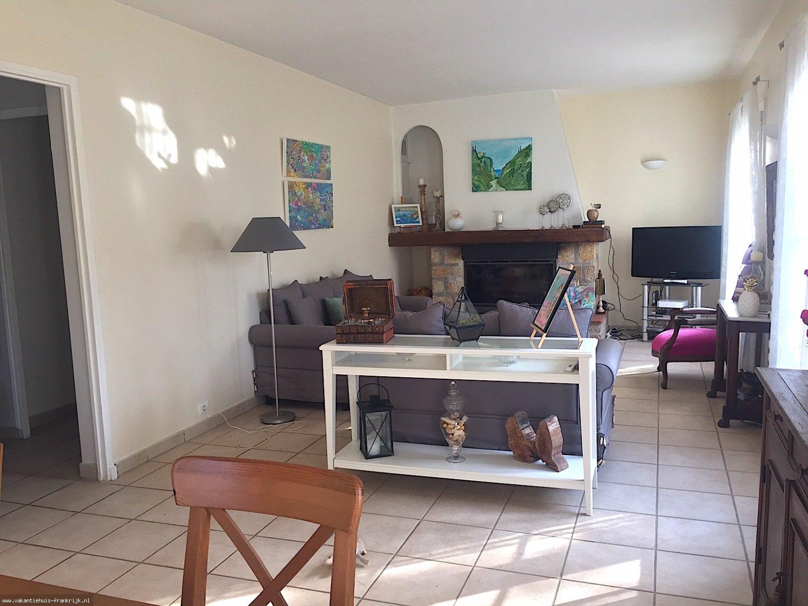 Vakantiehuis: Flexibel te boeken: Villa Paradis, een aangenaam 6-persoons huis in het centrum van Cotignac mét tuin en privé zwembad. te huur voor uw vakantie in Var (Frankrijk)