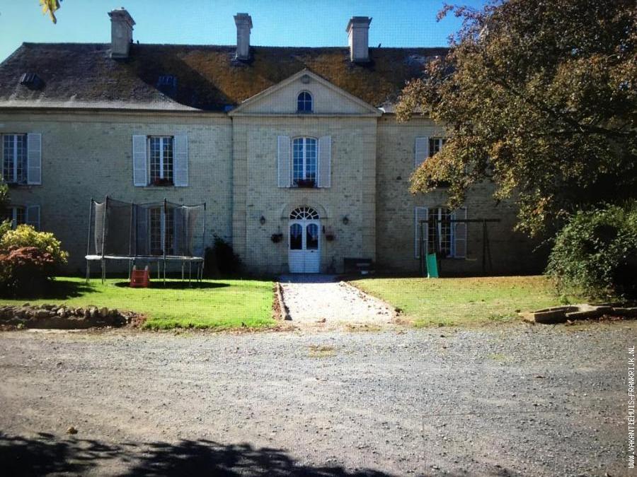 Vakantiehuis: Vrijstaande woning met ruime tuin ,landelijke omgeving. te huur voor uw vakantie in Calvados (Frankrijk)
