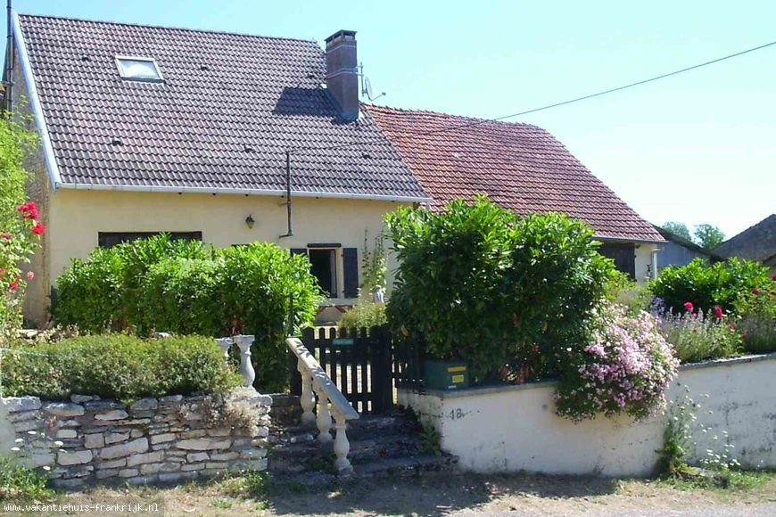 Vakantiehuis: Domaine des cerfs: voor liefhebbers van rust en ruimte te huur voor uw vakantie in Meuse (Frankrijk)