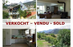 Vakantiehuis: 380.000 € - Hautes Alpes - Villa met apart gastenverblijf (onder één dak) te huur in Hautes Alpes (Frankrijk)