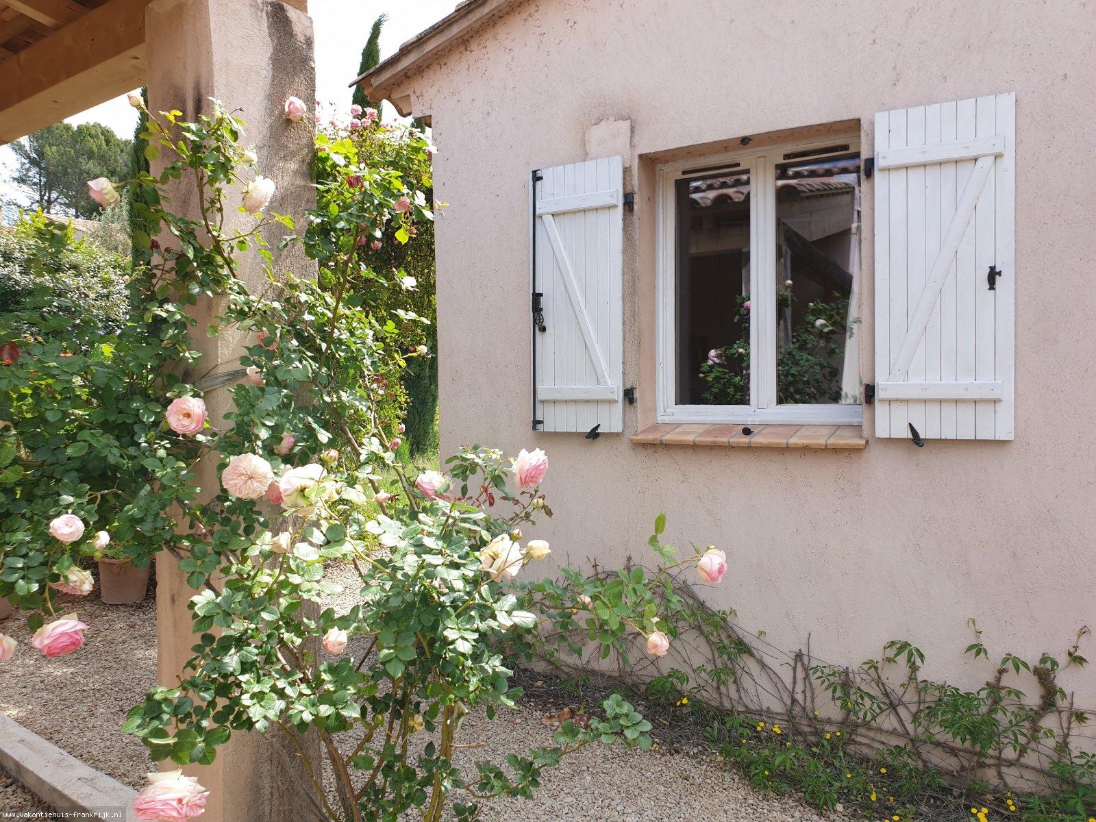 Vakantiehuis: Droomvakantie midden in de Provence te huur voor uw vakantie in Var (Frankrijk)