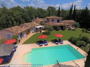 Vakantiehuis: Villa La Cigaline is een royale vrijstaande villa in Lorgues voor 10 personen met verwarmd privé zwembad.