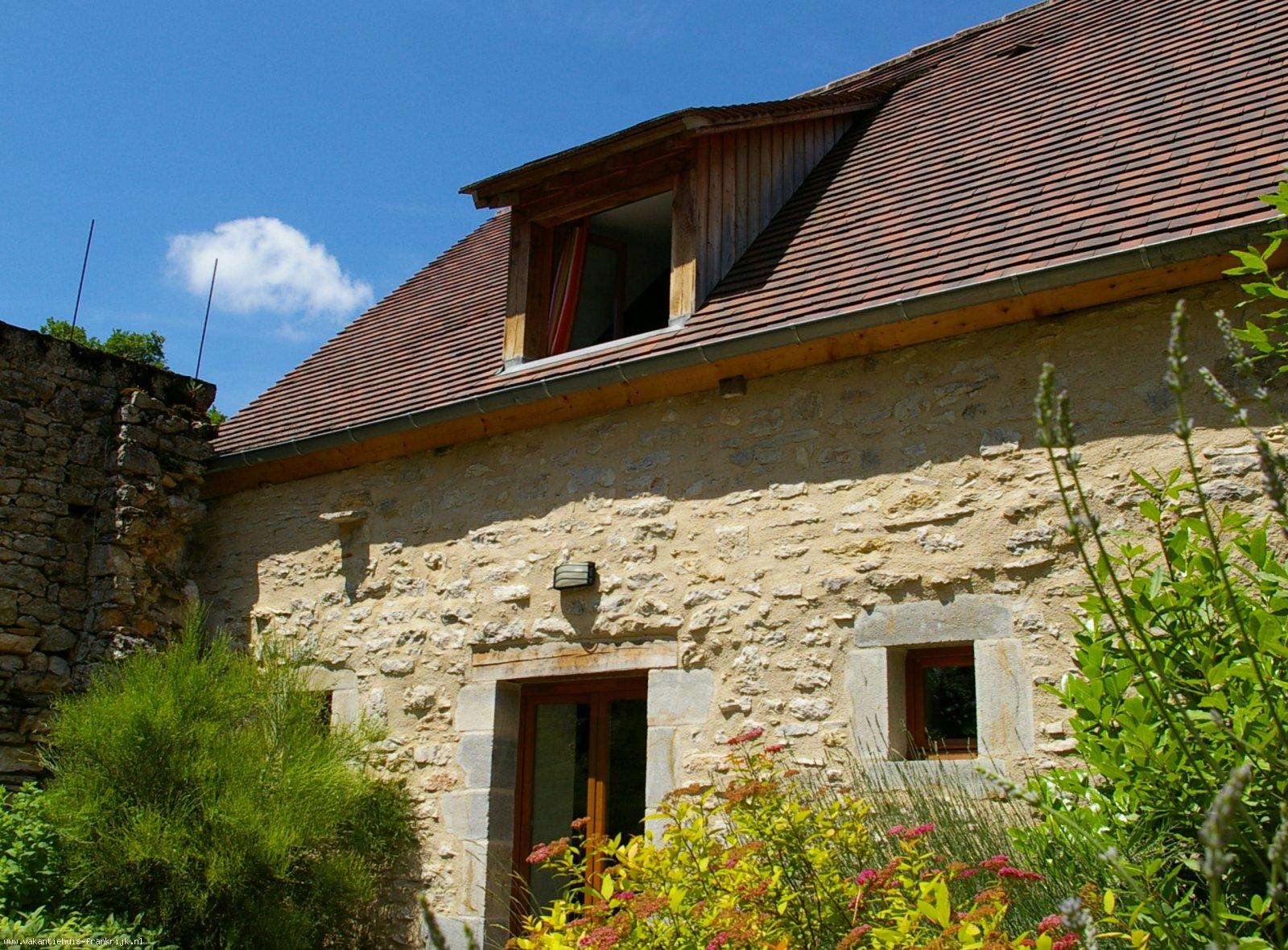 Vakantiehuis: Vakantiehuis De Quercy Stone Gite in Marcilhac-sur-Cele - Privé-tuin, Prachtig aangelegd, heerlijk gelegen, goed ontspannen te huur voor uw vakantie in Lot (Frankrijk)