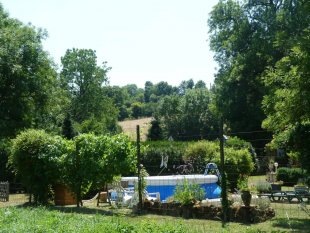 Pool in the high season (July/August)