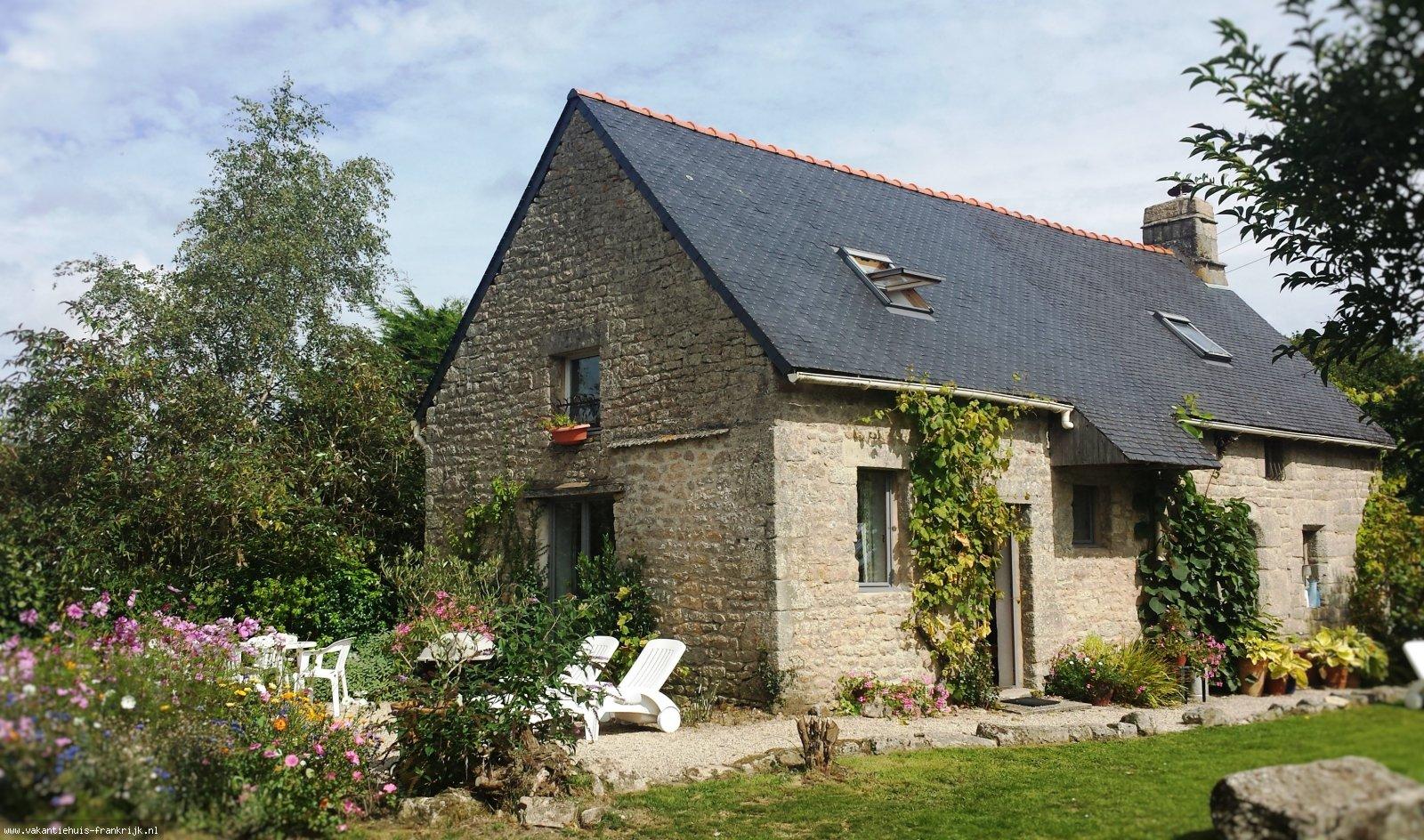 Vakantiehuis: Rust, kalmte, prachtige omgeving, warm onthaal in de traditionele granieten boerderij: Les Papillons, uw perfecte lente-, zomer- of herfstvakantie te huur voor uw vakantie in Morbihan (Frankrijk)