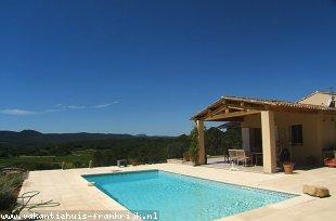 Vakantiehuis: La Farigoulette: RUIME VILLA niet al te ver van COTIGNAC, privé zwembad, prachtig uitzicht