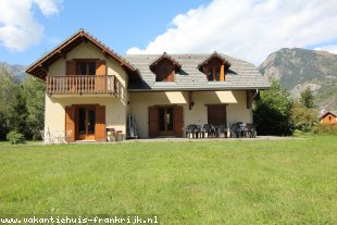 Vakantiehuis: Indrukwekkend huis in BOURG D'OISANS