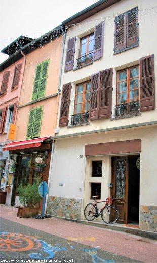 Huis te huur in Isere en binnen uw budget van  1100 euro voor uw vakantie in Midden-Frankrijk.