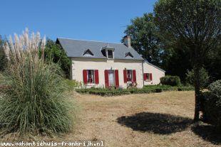 Vakantiehuis: Marçais - Ruime woonboerderij met prachtig uitzicht op 4400m² terrein. te huur in Cher (Frankrijk)