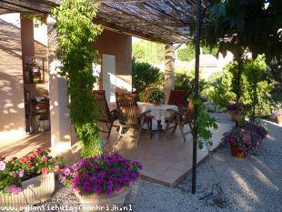 Huis te huur in Var en binnen uw budget van  950 euro voor uw vakantie in Zuid-Frankrijk.
