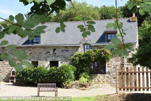vakantiehuis in Frankrijk te huur: KERABELLEC (4 ) GITE COMPLEX( BAUD MORBIHAN ) NEAR TO CAMORS FORESTS/ SUITABLE FOR INDIVIDUAL FAMILIES OR GROUP BOOKINGS . SLEEPS 24 PLUS COTS